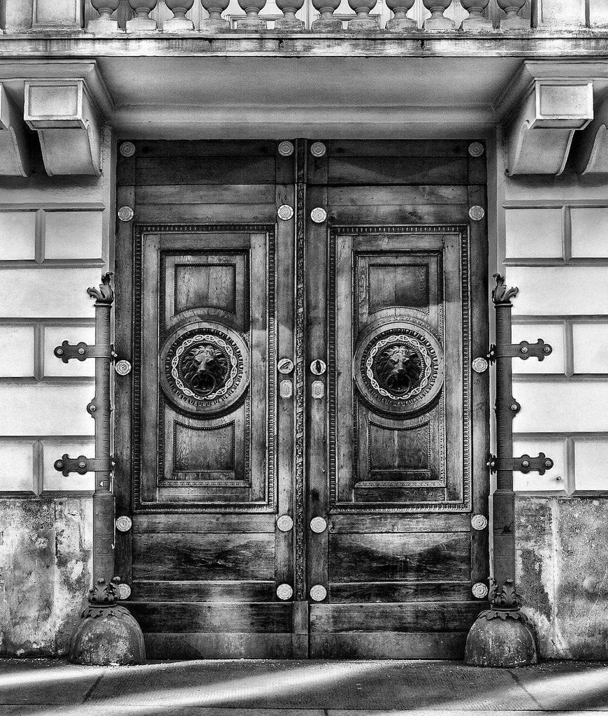Porte d'Entrée Blindée à Enghien-les-bains pour maison